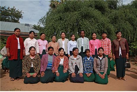 만달레이 주 세테인 마을의 초등학교 교사들. Ⓒ조용경