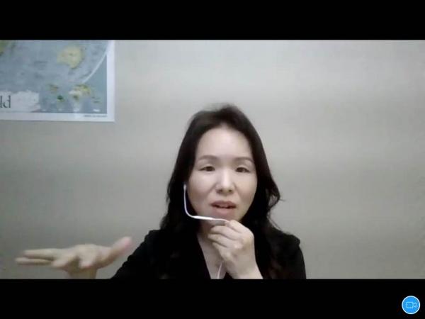 백지연 이화여자대학교 국제사무학과 교수. 이날 세미나는 화상회의채팅 프로그램 zoom으로 진행됐다. ⓒ여성신문