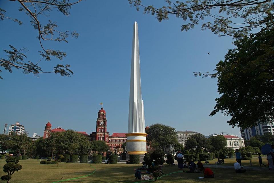마하반둘라 공원과 독립기념탑. ©조용경