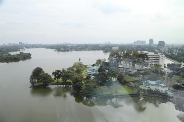아마라 호텔 중국식당에서 내려다 본 인야 호수. ©조용경