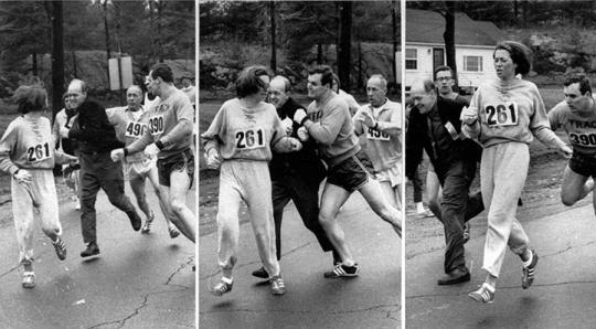 캐서린 스위처는 1967년 미국 보스턴 마라톤 대회에 참가해 방해와 위협에도 불구하고 여성 최초로 풀코스 마라톤을 완주했다. ⓒ캐서린 스위처 공식 웹사이트 / AP Images