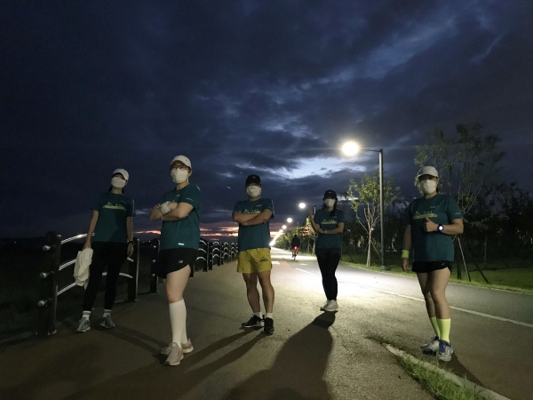 '제20회 여성마라톤 with 랜선스포츠'에 참여한 참가자들 후기 사진. ⓒ여성신문