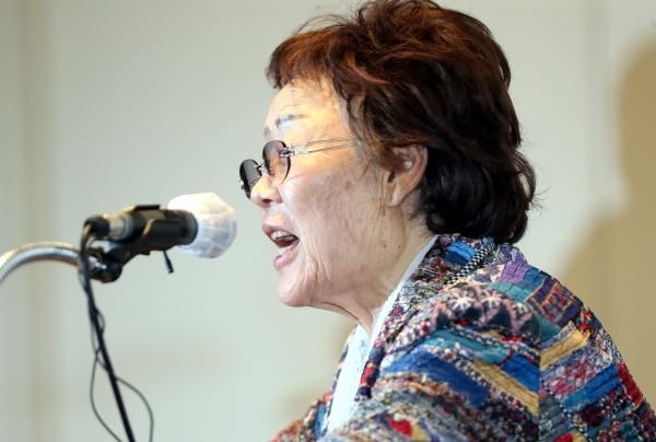일본군'위안부' 피해자이자 여성인권운동가 이용수씨가 지난 5월 25일 오후 대구 수성구 만촌동 인터불고 호텔에서 열린 기자회견에서 입장을 밝히고 있다. ⓒ뉴시스·여성신문