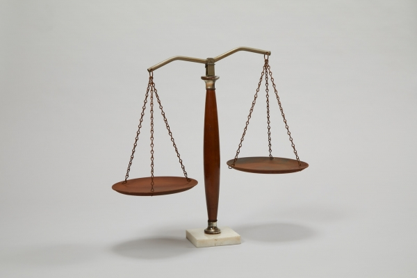 가족법 개정, 호주제 폐지를 위해 매진했던 여성변호사 이태영의 정의의 저울. ⓒ여성가족부