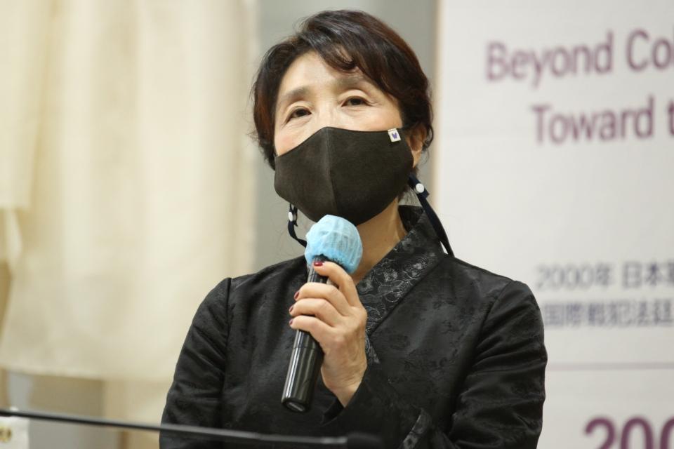 4일 오후 서울 관악구 서울대관악캠퍼스 아시아연구소에서 일본군위안부 연구회가 '2000년 일본군성노예전범 여성국제법정 공공 기억과 확산' 기념행사를 열고 양현아 일본군 '위안부' 연구회 회장은 발언을 하고 있다. ⓒ홍수형 기자
