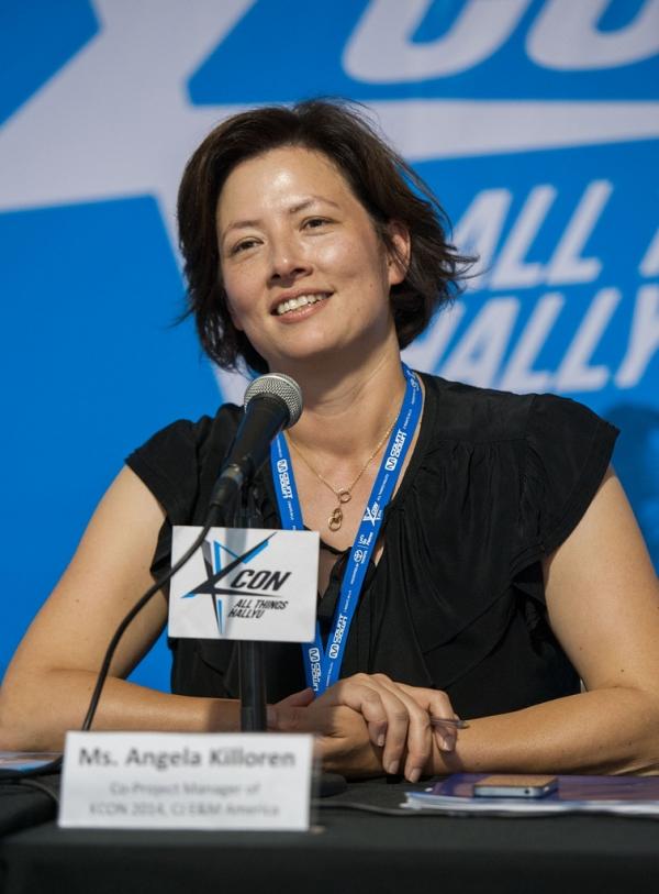 2014년 8월 10일 미국 캘리포니아주 로스앤젤레스 메모리얼 스포츠 아레나에서 열린 KCON 2014 행사에 참석한 안젤라 킬로렌 대표 ⓒGetty Images
