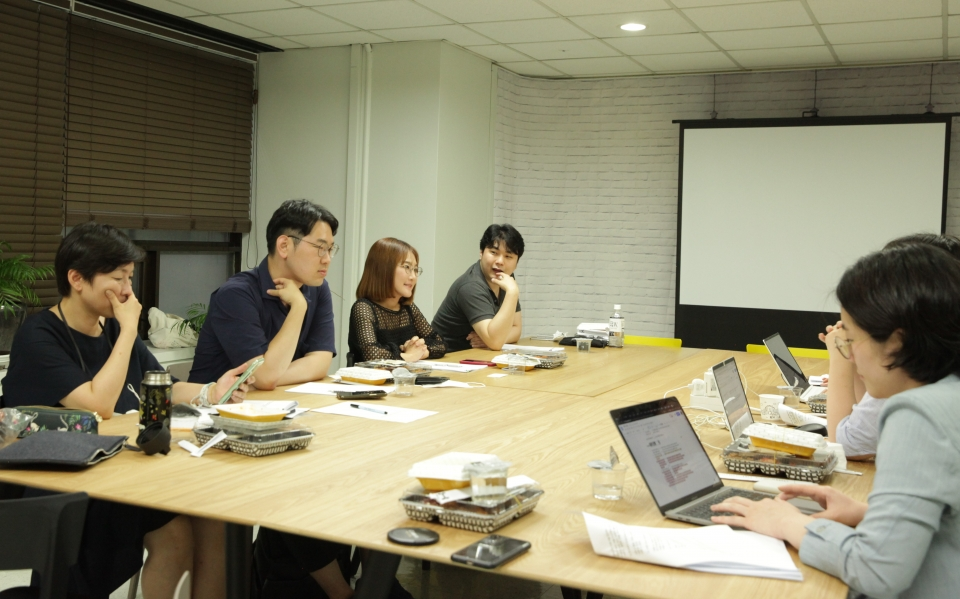 8일 오후 서울 서대문구 여성신문에서 젠더폴리틱스는 '한국사회 젠더 갈등와 해결책' 세미나를 열었다. ⓒ홍수형 기자