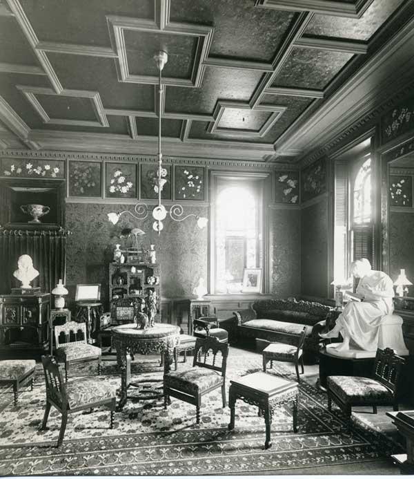 미국의 시인 엘리자베스 배릿 브라우닝을 기리기 위해 1880년 미국 매사추세츠주 웰즐리의 웰즐리 대학교에 만들어진 공간. ⓒWellesley College ⓒ게티이미지