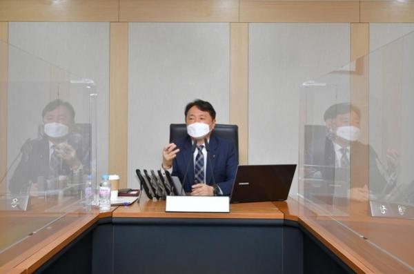 12일 서울 중구 농협은행 본점에서 권준학 농협은행장이 '디지털부문 업무보고회'를 개최하고 있다 ⒸNH농협은행