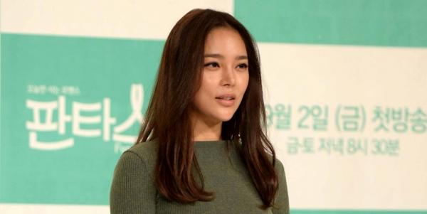 19일 배우 박시연(42)씨가 주말 대낮에 음주운전으로 추돌사고를 내 경찰에 입건됐다.ⓒ인스타일
