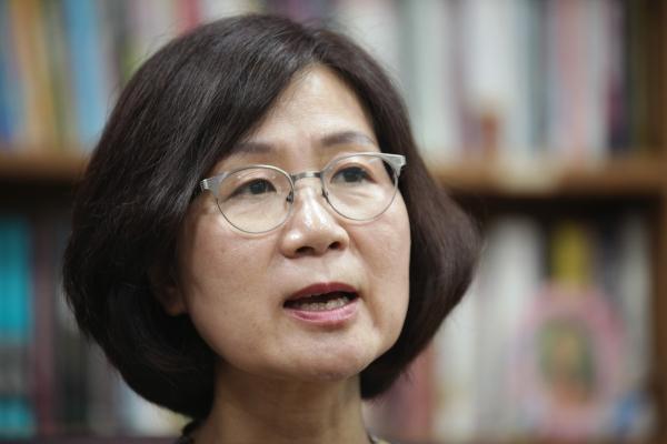 11일 오전 서울 여의도 국회의사당에서 권인숙 더불어민주당 의원은