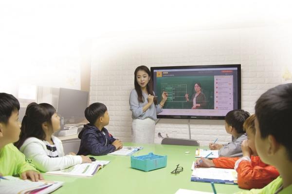 2021 제16회 학부모가 뽑은 교육브랜드 대상 푸르넷 공부방 광고 사진ⓒ㈜금성출판사