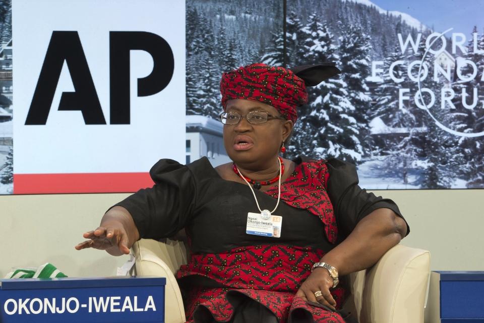 세계무역기구(WTO)가 15일(현지시간) 이사회를 열고 164개 회원국의 만장일치로 나이지리아 출신의 응고지 오콘조이웨알라(66) 후보를 사무총장으로 추대했다. 사진은 2014년 1월 24일 열린 스위스 다보스포럼에서 오콘조이웨알라가 발언하는 모습. ⓒ뉴시스·여성신문