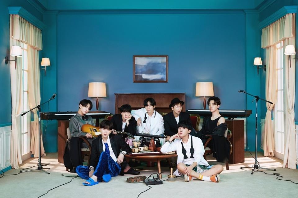 그룹 방탄소년단(BTS)의 정규 4집 앨범이 발매 후 1년간 매주 미국 '빌보드 200'에 오르며 한국 가수 사상 최장기간 차트 진입에 성공했다. ⓒ빅히트엔터테인먼트