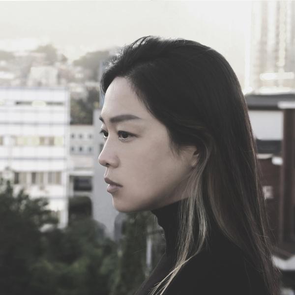 포크 가수 정밀아의 정규 3집 앨범 '청파소나타' 커버 ⓒ금반지레코드