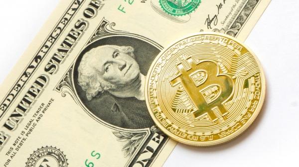 가상화폐와 미국 달러 ⓒPixabay