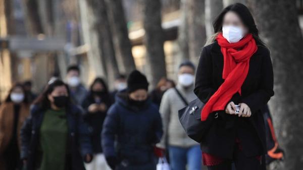 3일 오전 서울 중구 시청역 앞 거리에서 시민들이 출근길 발걸음을 옮기고 있다. ⓒ뉴시스