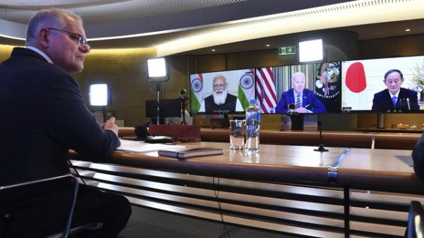 스콧 모리슨 호주 총리가 2021년 3월 13일 시드니에서 조 바이든 미국 대통령, 스가 요시히데 일본 총리, 나렌드라 모디 인도 총리와 첫 쿼드 정상회의에 참석하고 있다.  ⓒAP/뉴시스
