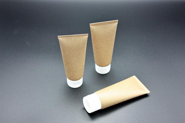 아모레퍼시픽이 특허기술을 적용·개발한 종이 튜브 샘플 ⓒ아모레퍼시픽
