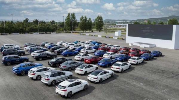 BMW코리아가 27일 인천 영종도 BMW 드라이빙 센터에서 BMW 뉴 5시리즈와 뉴 6시리즈 그란 투리스모를 전세계 최초로 공개했다. ⓒBMW코리아