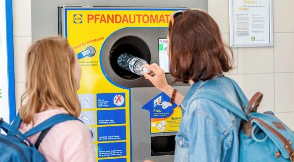 독일에서는 페트병을 판매점으로 회수하는 보증금 제도를 운용해 페트병 수거율을 높였다. ⓒAlamy