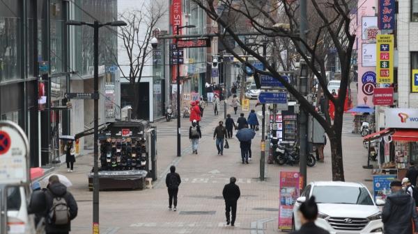 12일 한산한 서울 명동 거리 ⓒ뉴시스