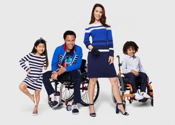 타미힐피거는 2016년부터 '어댑티브 라인(Adaptive Line)'을 선보이고 있다.  휠체어 이용자, 보조기 사용자 등 다양한 상황에 맞는 디자인을 제안한다. ⓒ타미힐피거