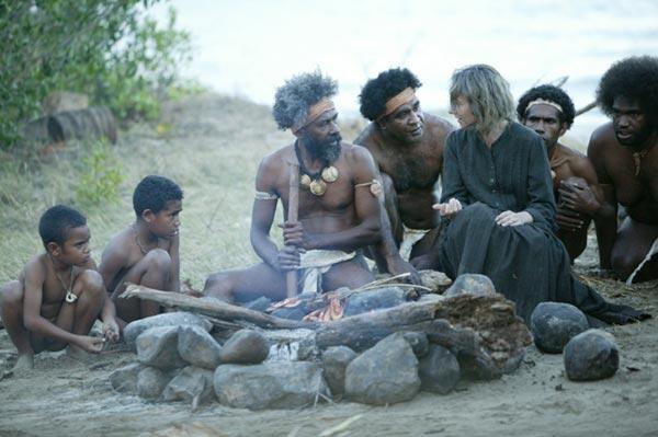 프랑스 영화 '루이즈 미셸'(2009)의 한 장면. 뉴칼레도니아로 추방된 미셸의 눈으로 제국주의 침략의 부도덕성을 고발한다.