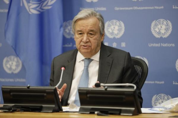 안토니우 구테흐스 유엔 사무총장이 28일(현지시간) 미국 뉴욕의 유엔본부에서 기자회견을 하고 있다. 구테흐스 총장은 회원국들에 백신 연대를 최우선 과제로 삼을 것을 촉구했다.  ⓒ뉴시스·여성신문
