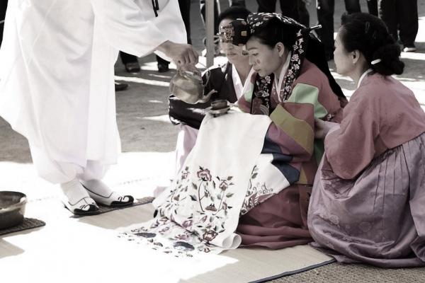 경사스러워야 할 결혼은 '처자귀신'이 되지 않기 위해 택해야만 하는 서글픈 일이 돼버렸다 ⓒpixabay