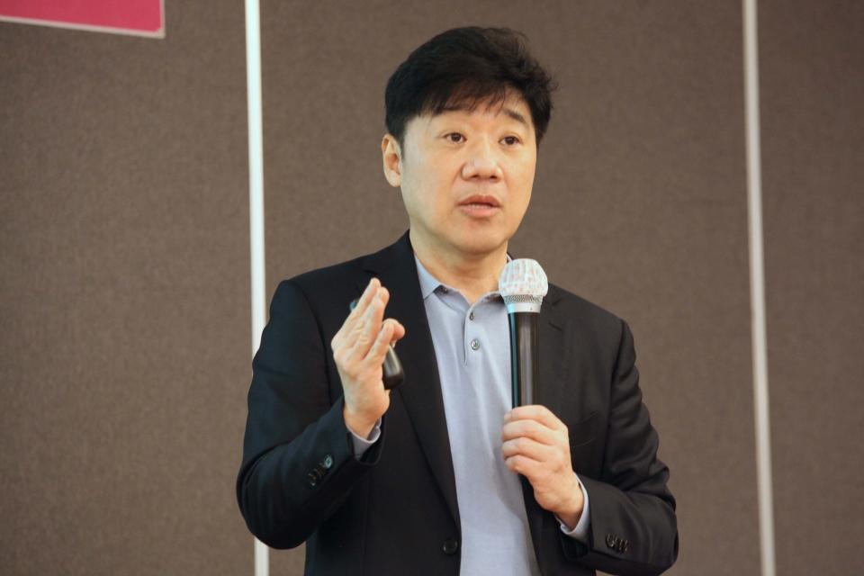15일 오전 서울 서초구 더리버사이트 호텔에서 여성신문이 '윈문화포럼 임춘성 연세대 교수 멋진 신세계 강의'를 주최했다. ⓒ홍수형 기자
