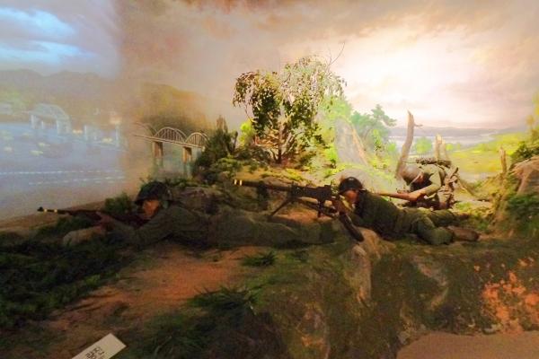 한국전쟁 당시 전투 모습을 재현한 조형물. 전쟁기념관. ⓒ최규화