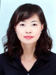 필자: 김은영 이화여대 커뮤니케이션미디어연구소 연구위원.이화여대 언론학박사이며, 트랜스미디어스토리텔링과젠더에 관심을 두고 다수의 영상문화연구를 수행하고 있다.