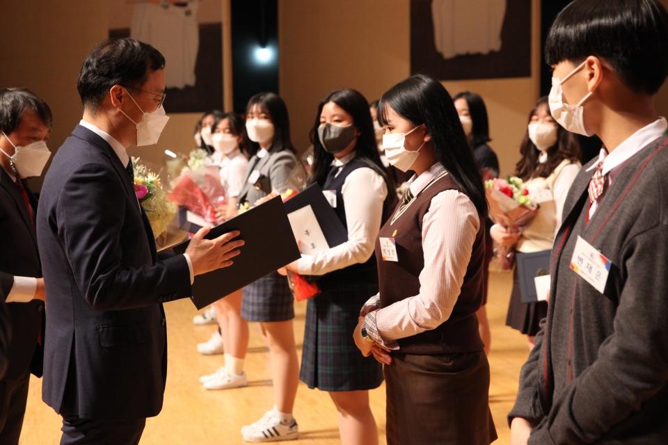 12일 오후 서울 중구 이화여고에서 유관순위원회가 '유관순횃불상 시상식'을 열었다. ⓒ홍수형 기자