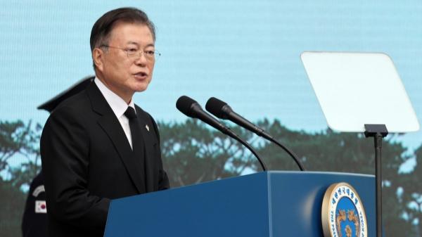 문재인 대통령이 6일 서울 동작구 국립서울현충원에서 열린 제66회 현충일 추념식에 참석해 추념사를 하고 있다. ⓒ뉴시스