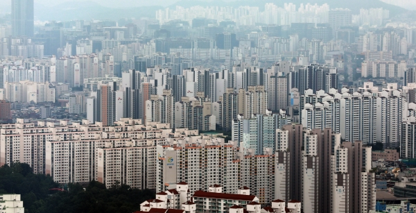 서울 영등포구 63아트에서 바라본 서울시내 아파트. ⓒ여성신문·뉴시스
