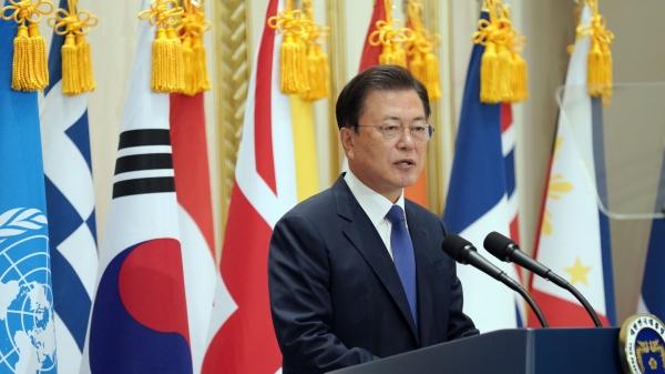 문재인 대통령이 청와대 영빈관 '유엔군 참전의 날 기념 유엔군 참전용사 훈장 수여식'에서 기념사를 하고 있다. ⓒ청와대