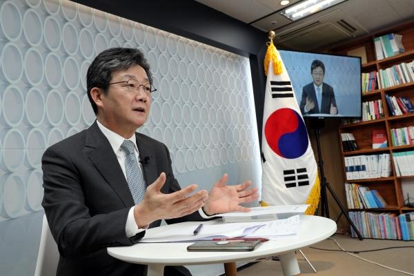 국민의힘 대선 예비후보 유승민 전 의원이 5일 서울 여의도 선거사무소에서 온라인 정책 발표를 하고 있다. ⓒ뉴시스·여성신문