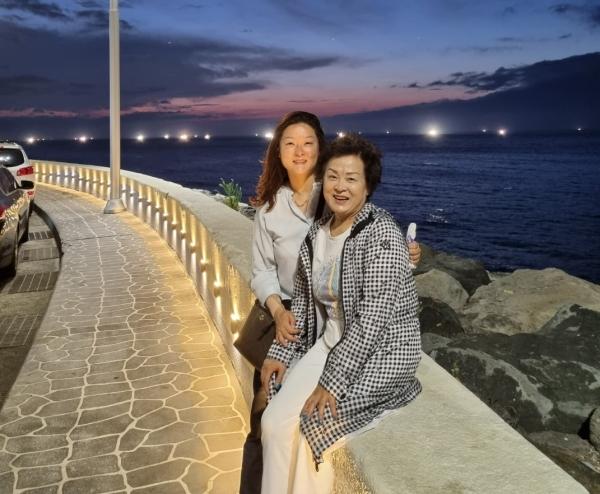 양리리 서대문구의회 의원과 어머니 소서진 씨 ⓒ양리리의 의원 제공