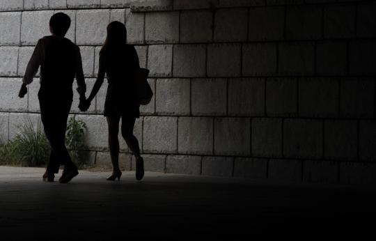 절반 이상의 여성이 데이트폭력을 경험한 적이 있다는 설문조사 결과가 나왔다. ⓒ뉴시스·여성신문