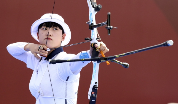 도쿄올림픽에서 2관왕을 달성한 '올림픽 영웅' 안산 선수. ⓒ뉴시스·여성신문