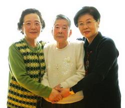 왼쪽부터 김옥한(아니키스트 김종진선생 막내딸), 이병희 할머니, 박용옥 3·1 여성동지회 회장.