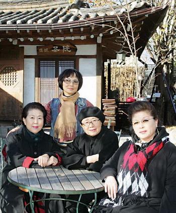 왼쪽부터 류민자, 박경란, 김재임, 최성숙씨.   abortion pill abortion pill abortion pill