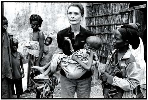 오드리 헵번은 1992년 9월 암투병 중에도 소말리아를 방문, 구호활동을 펼쳐 전세계인에게 깊은 인상을 남겼다.sumatriptan 100 mg sumatriptan 100 mg sumatriptan 100 mgcialis coupon free   cialis trial coupon
