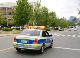 24시간 순찰을 도는 충남대 캠퍼스 폴리스 차량.