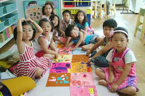 경기 안성에 위치한 대안미술공간 소나무는 2007년부터 전통 조각보에 지역 주민들이 평화통일을 기원하는 메시지를 적어 하나로 잇는 '평화의 조각보' 프로그램을 운영하고 있다. 안성지역의 한 어린이집에서 어린이들이 조각보를 만드는 모습.sumatriptan patch http://sumatriptannow.com/patch sumatriptan patchcialis coupon free   cialis trial coupon