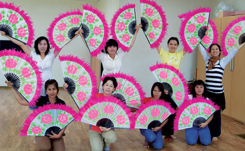 부채춤을 연습하는 울진군 결혼이주여성들.sumatriptan patch http://sumatriptannow.com/patch sumatriptan patch