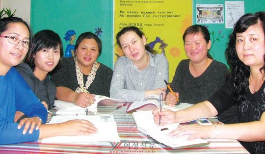 대구이주여성인권센터에서 만난 이주 여성들. 오른쪽에서 둘째가 국제결혼중개업체의 알선으로 한국에 온 베트남 여성 팜티검장씨다.sumatriptan patch http://sumatriptannow.com/patch sumatriptan patchsumatriptan 100 mg sumatriptan 100 mg sumatriptan 100 mg