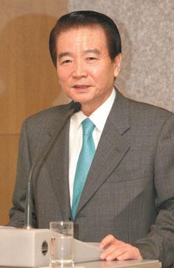 게임문화재단 김종민 이사장이 3월 21일 오전 서울 프라자호텔에서 '게임과몰입 상담치료센터'의 사업 내용을 설명하고 있다.