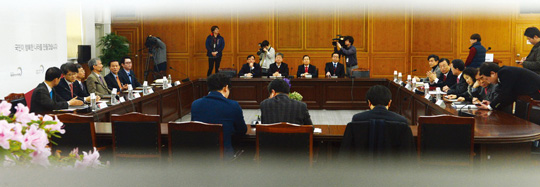 서울 삼청동 대통령직인수위원회에서 간사단회의가 열리고 있다.cialis coupon cialis coupon cialis coupon